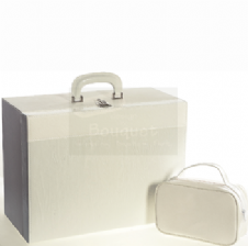 Christening box white wrinkled leather / τσάντα βάπτισης βαλίτσα λευκό τσαλακωτό δέρμα